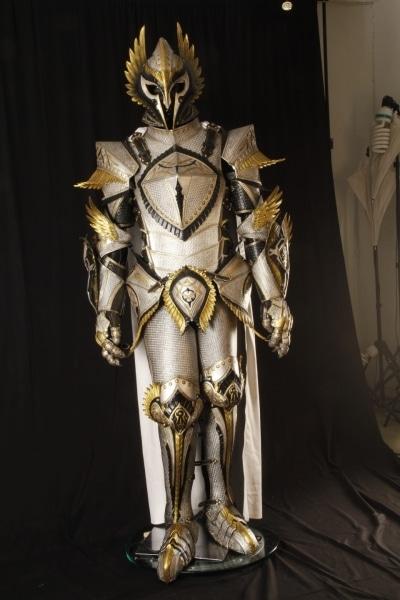 White_Knight_Armor002